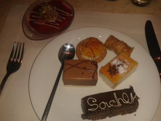 Sani, Greece: Dessert...even Baklava!