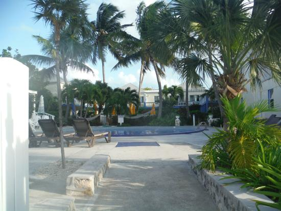 Sibonne Beach Hotel: Grounds