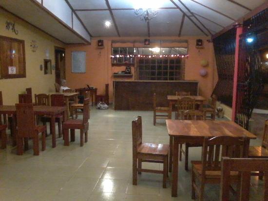 Hamburguesas Torito Restaurante: Comodo y acogedor