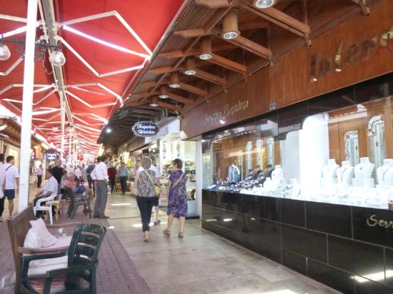 Kusadasi Market : Grand Bazaar