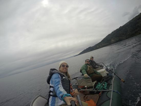 Tres Rios Lodge Fly Fishing & Adventure : Fernanda, Henrique and Edgar at Llanquihue lake