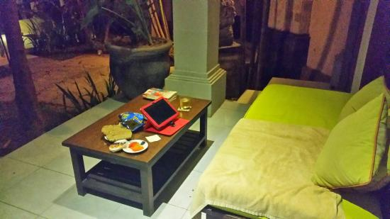 Bali Mystique Hotel and Apartments : my outside room