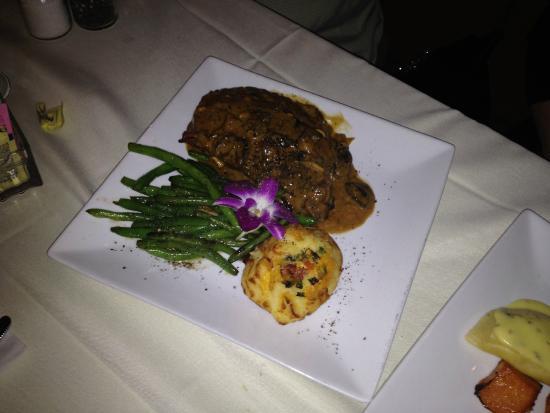 Misto Bar and Grill : Ribeye potato and asparagus