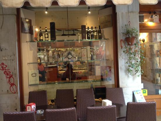 Caffe' Brasilia: Caffe Brasilia - Great Coffee and Pastries