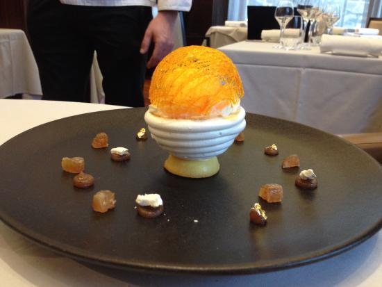 Hôtel Métropole Genève : Un'opera d'arte... Alle castagne e mandarino