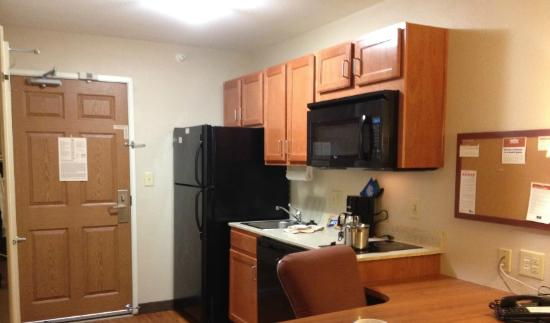 Candlewood Suites Indianapolis : Kitchenette