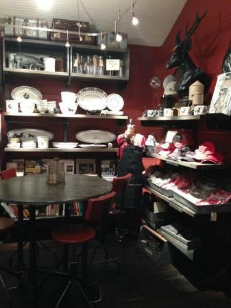Dry Creek General Store : Adorable store interior
