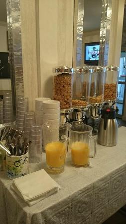 Hotel Kennedy: breakfast area again