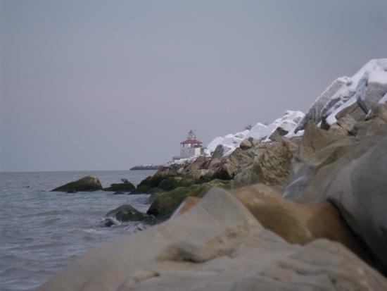 Ashtabula, Οχάιο: Walnut Beach in the winter.