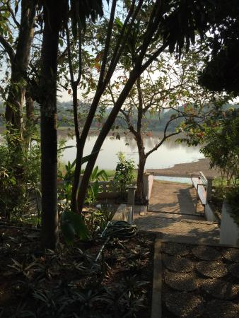 Uttaradit Riverside Resort