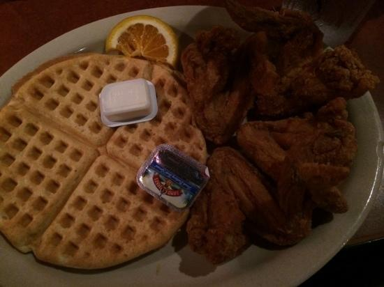 Gladys Knight & Ron Winan's Chicken And Waffles : ok