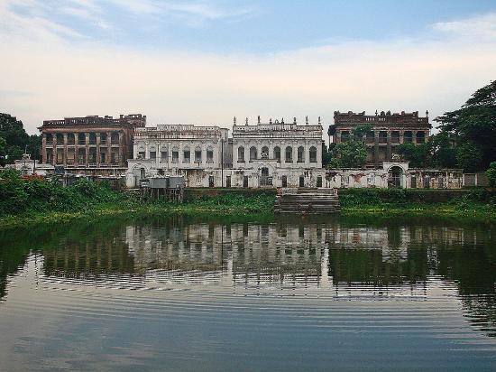 Manikganj, Bangladesh: 2