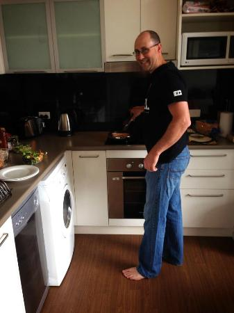 Lufra Hotel and Apartments: Kitchen so good Dad will cook!