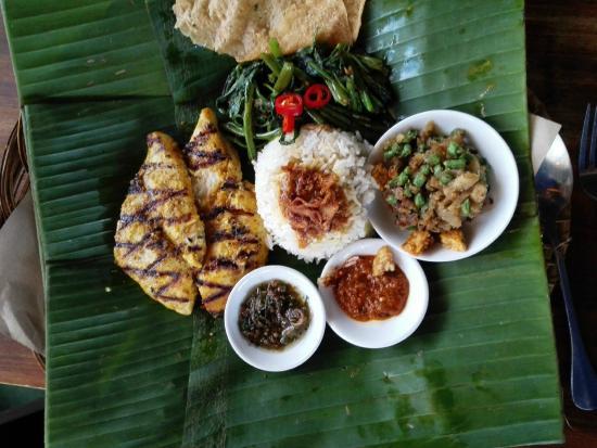 Bumbu Bali: Be Pasih Mepanggang (Grilled Fish