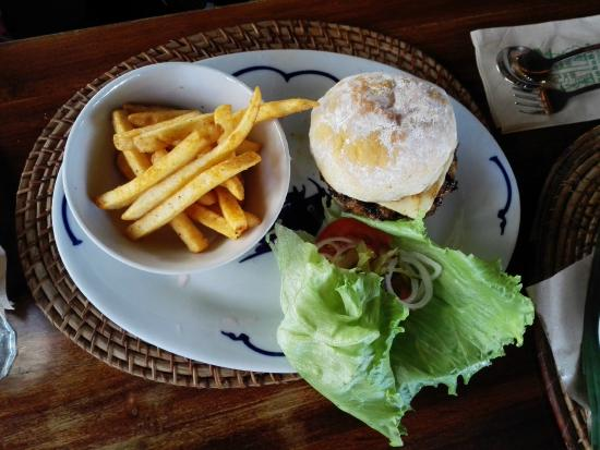 Bumbu Bali: Big Mouth Burger with Cheese