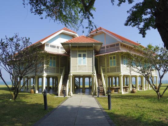 Klai Kang Won Palace : palace