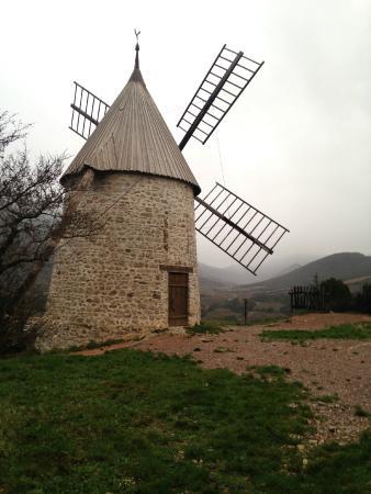 Les Maitres de Mon Moulin: The windmill