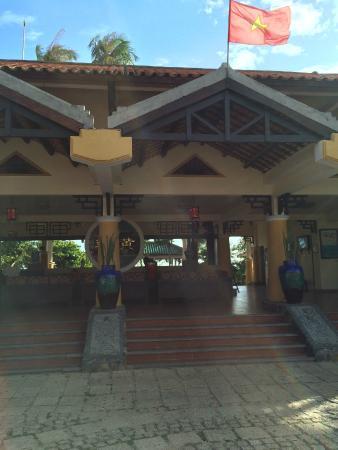 Dynasty Mui Ne Beach Resort: фасад отеля