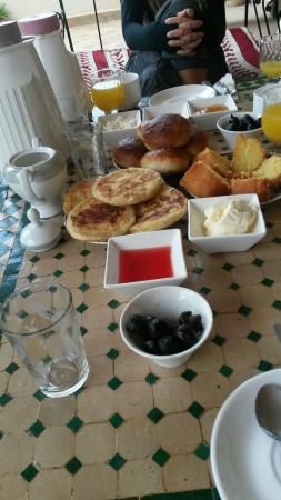 Dar El Ouedghiri : La colazione in terrazza