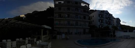 Hera Hotel : Otel dıştan