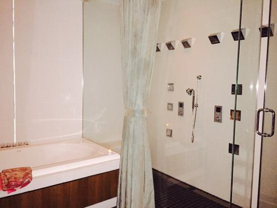 Relache Spa: In couples massage room shower and bath for an upgrade of $20 each