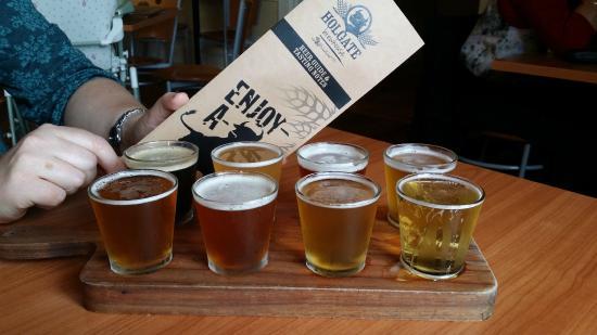 Holgate Brewhouse at Keatings Hotel: Paddle of beers