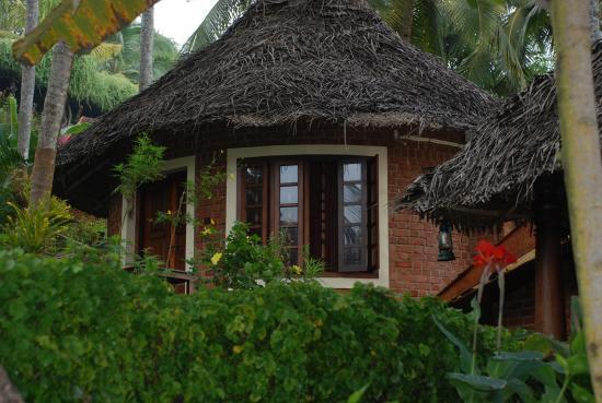 Somatheeram Ayurvedic Health Resort: hut accommodation
