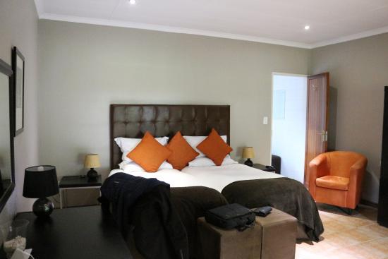Safari Club: La chambre