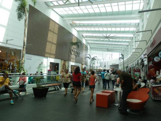 Plaza Las Americas: Pasillo del Mall