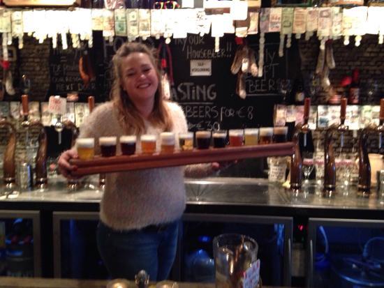 T' Brugsch Bieratelier : 12 draught beers!!!