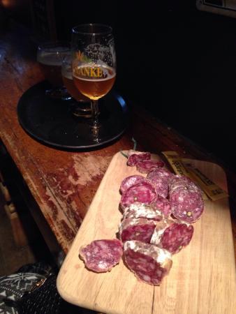 T' Brugsch Bieratelier : Degustation beer and salami!