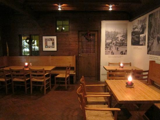 Bryggen Tracteursted: Restaurant setting