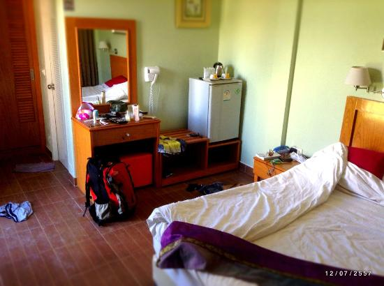 Chilli Hotel & Restaurant: Equipped with fridge, hairdryer and safe.
