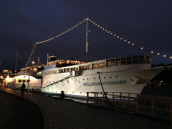 Malardrottningen Yacht Hotel and Restaurant: Hotelschiff & Restaurant Mälardrottningen