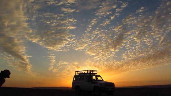 Habibitours - Day Tours: sunsetdesert