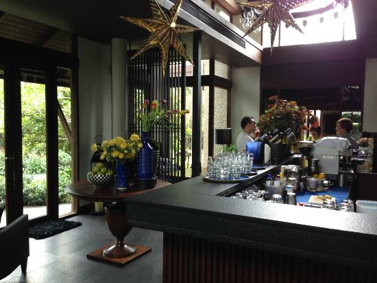 99 Rest Backyard Cafe บาร บร เวณประต ทางเข า