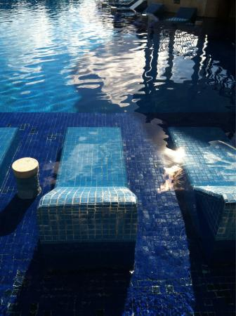 Now Sapphire Riviera Cancun: Best seat in the house. Built in pool lounger!