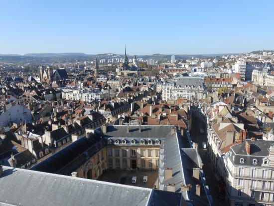 Tour Philippe le Bon : Vá ao Oficio de Turismo e agende um horario. Vale a subida.
