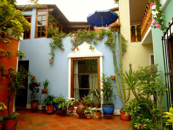 Hostal El Patio: courtyard