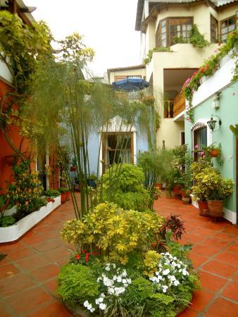 Hostal El Patio: courtyard