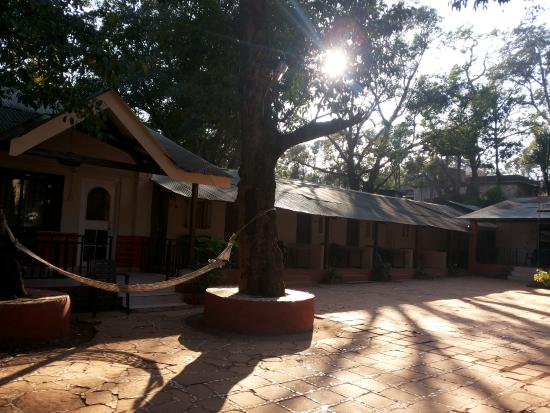 Premdeep Hotel: cottages over all view