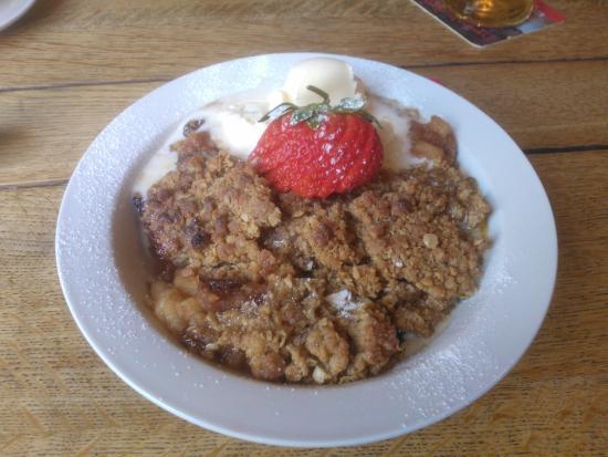 Axminster Inn: Apple, sultana & cinnamon crumble with icecream 1