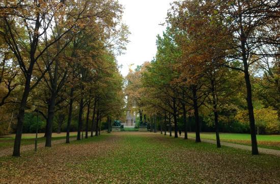 Tiergarten: Allée