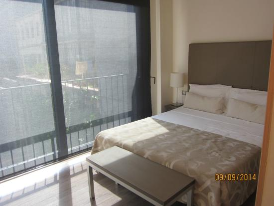 Apartments Casp74: queen bed in the other bedroom