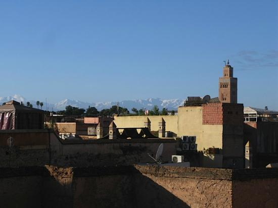 Riad Zolah: View from Roof of Atlas Mountains