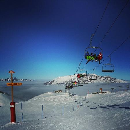 Les Deux Alpes : Great early season conditions