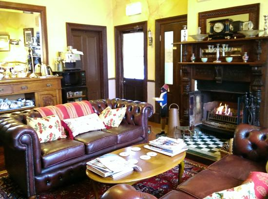 Kurrara Historic Guest House: Breakfast / Sitting Room