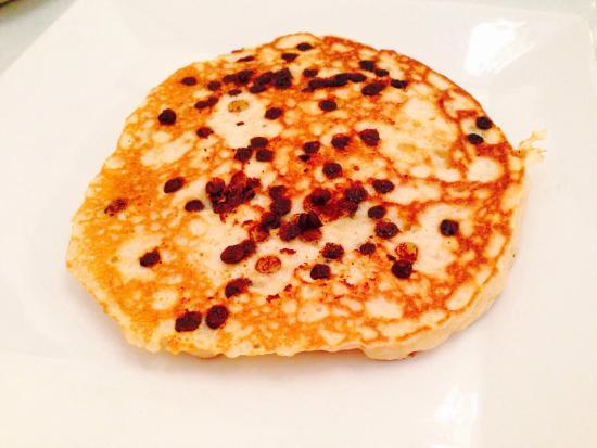 Upper Crust Cafe & Bakery: Chocolate chip pancake