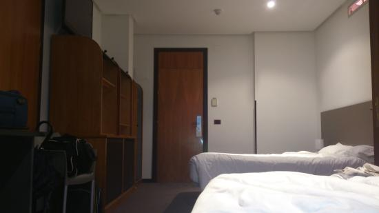 New Hotel: Hab 321-323 Camas enormes
