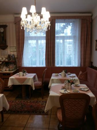 Hotel Zur Wiener Staatsoper: Зона для завтраков